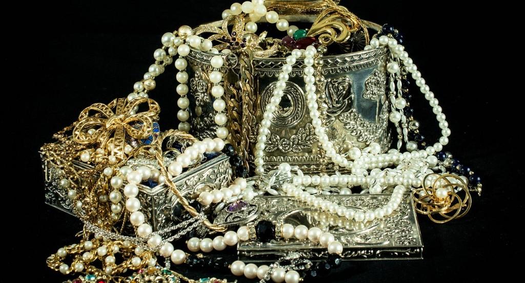 Impuesto sobre venta de oro y joyas