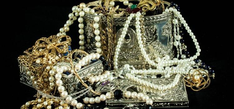 Las compras a particulares de oro y joyas sujetos a impuestos